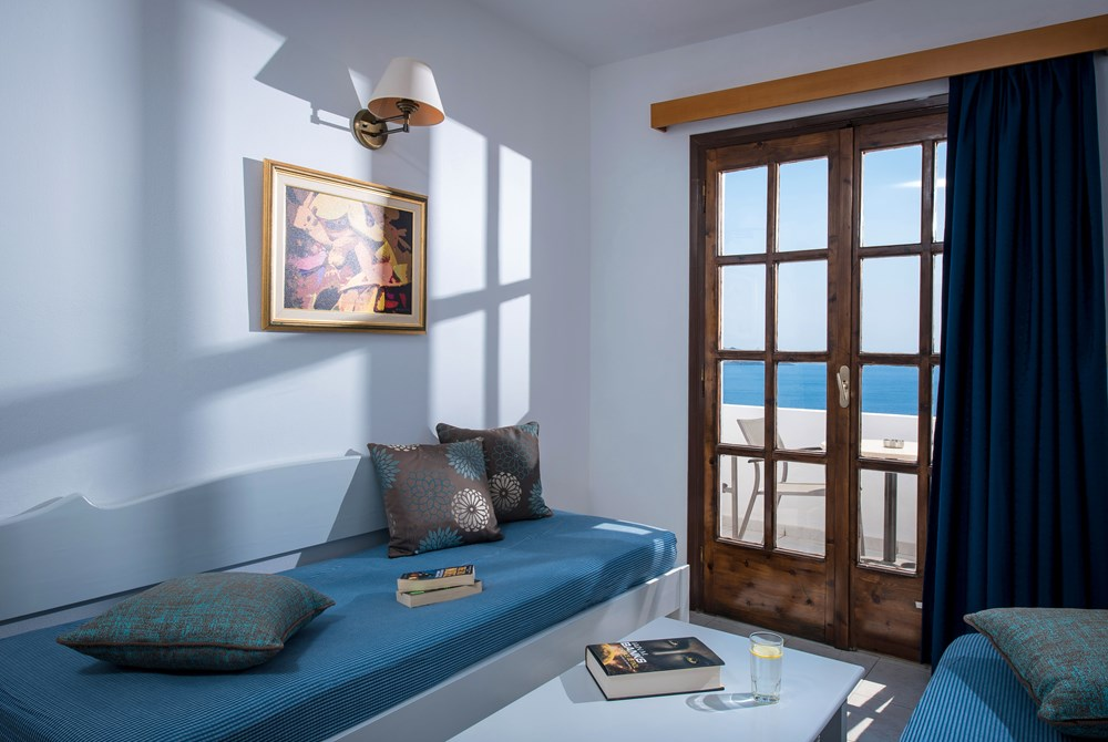 FAMILY ROOM 1-BEDROOM SEA VIEW